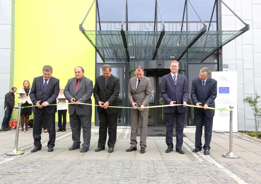 Národní superpočítačové centrum IT4Innovations slavnostně otevřelo novou budovu
