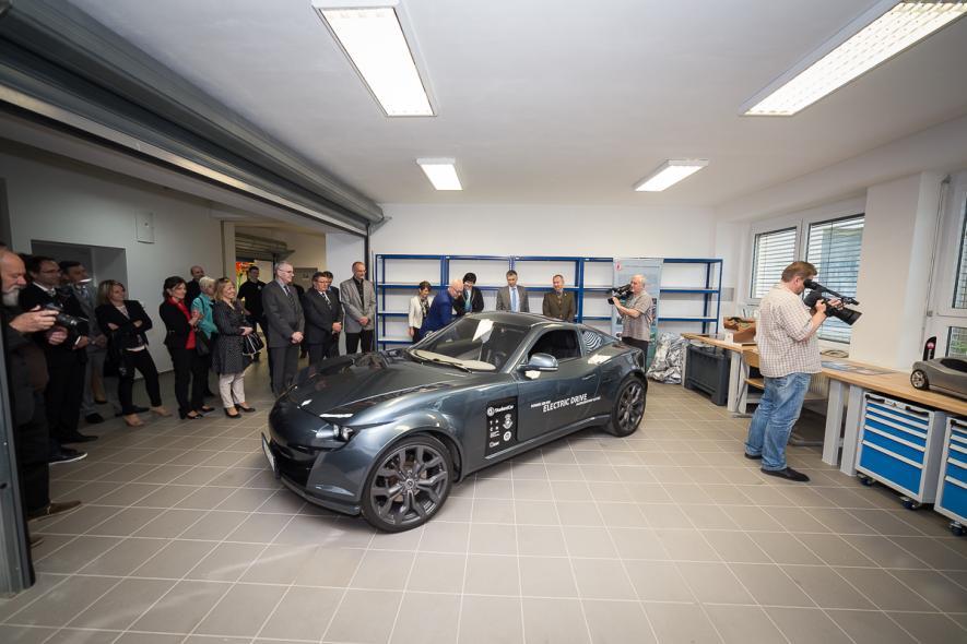 Slavnostní otevření nových laboratoří Katedry materiálů a technologií pro automobily