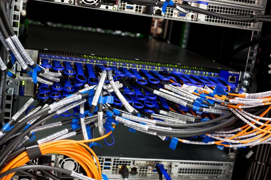 14. nejvýkonnější systém v Evropě – Salomon - byl dnes spuštěn na VŠB – Technické univerzitě Ostrava