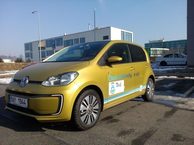 Test elektromobilů na VŠB-TUO pokračuje