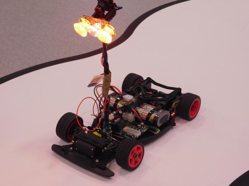 Studenti budou závodit se samořiditelnými modely vozidel