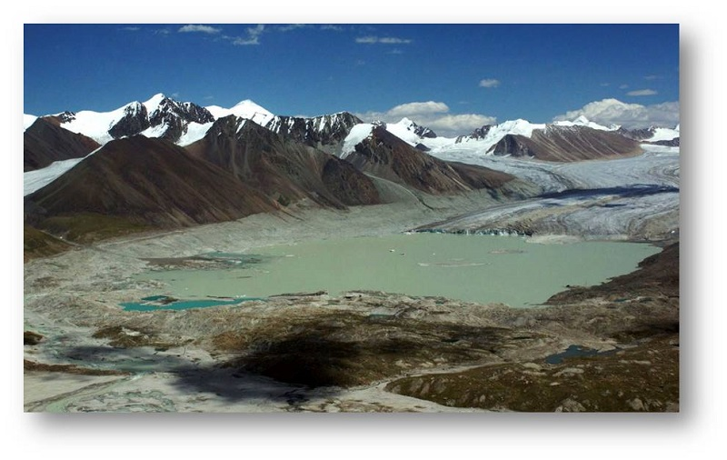Výstava 10 let výzkumu nebezpečných jezer v Kyrgyzstánu