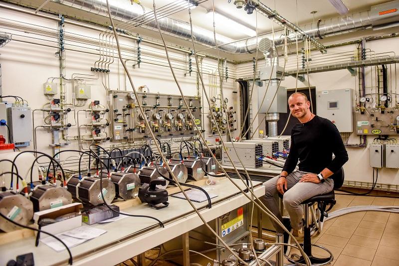 Rozhovor s nově jmenovaným profesorem Mišákem: Elektro není monotónní