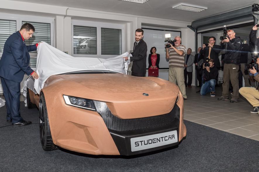 Představení designové studie roadsteru StudentCar SCE