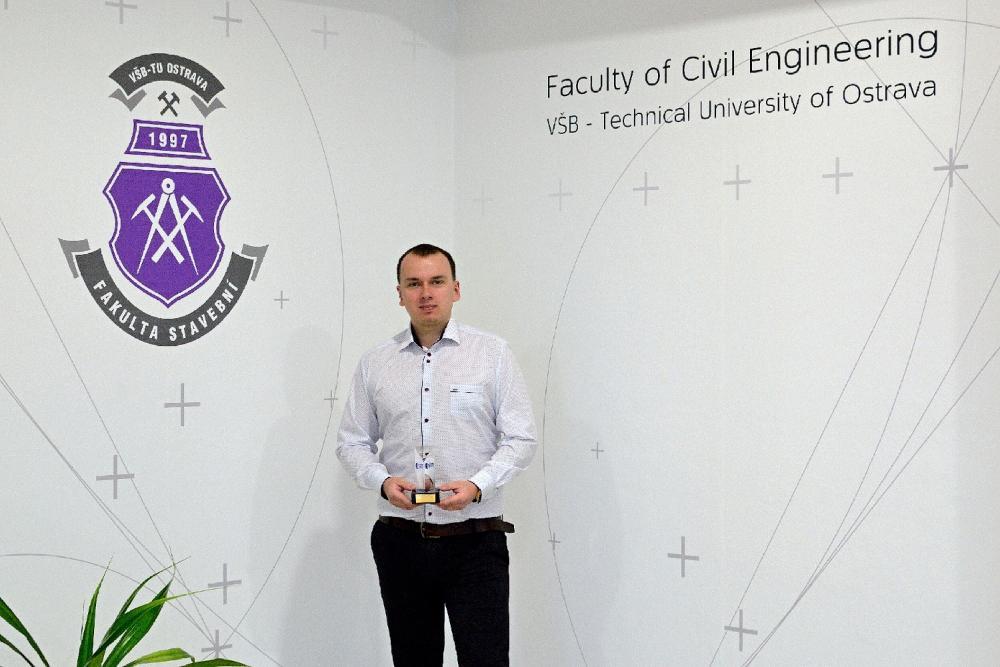 Úspěch absolventa FAST Marka Skobleje v JAR!