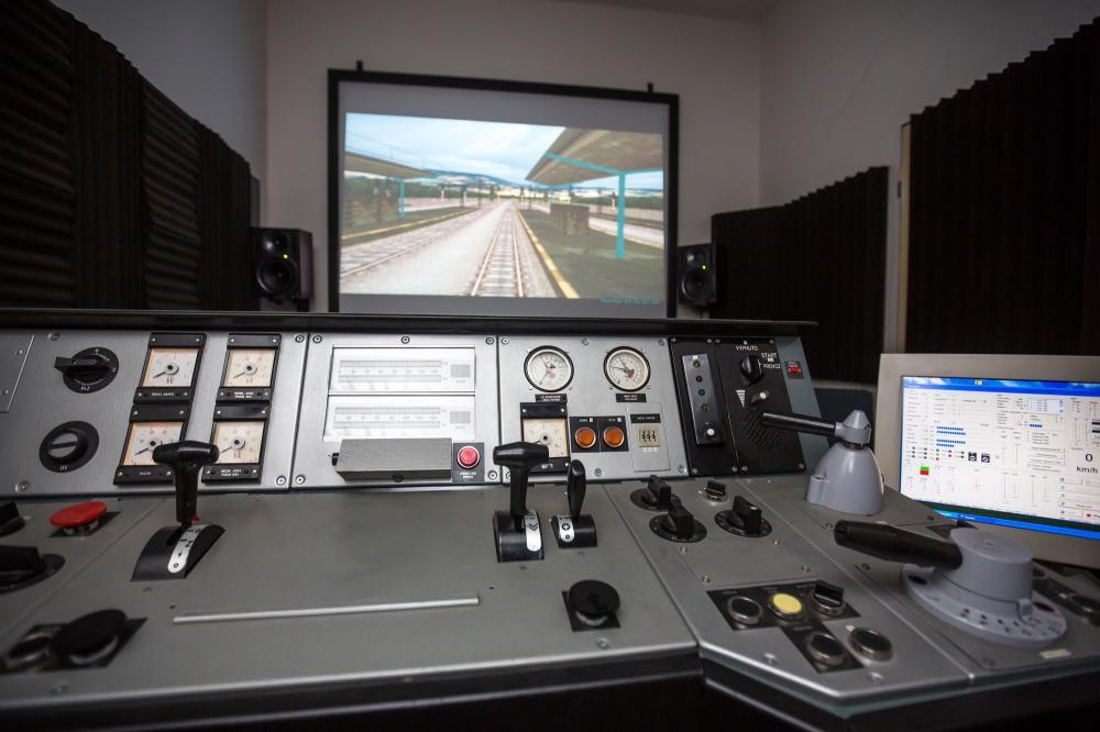 Na Fakultě strojní můžete zkusit řídit i vlak