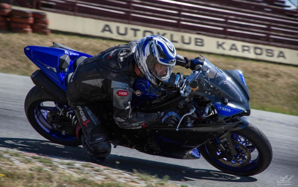 FS přišla s polohovatelnou vidlicí u motorek možná dříve než motocykloví výrobci