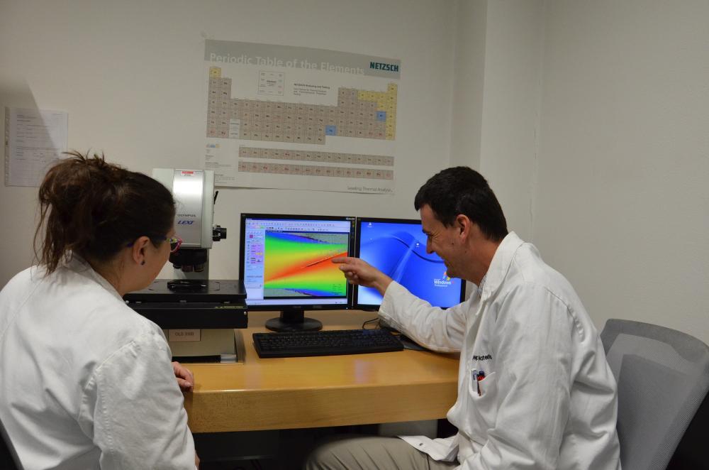Vědci na VŠB-TUO vyvíjejí průlomovou metodu úpravy zubních implantátů