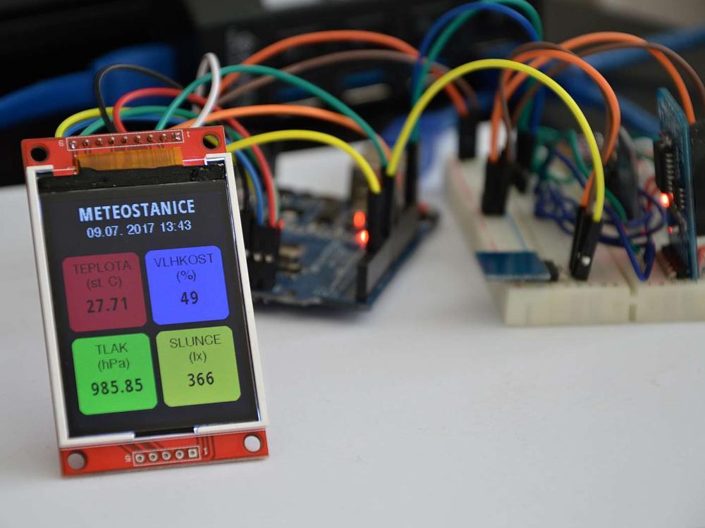 Stavba bezdrátové meteostanice s výstupem na internet
