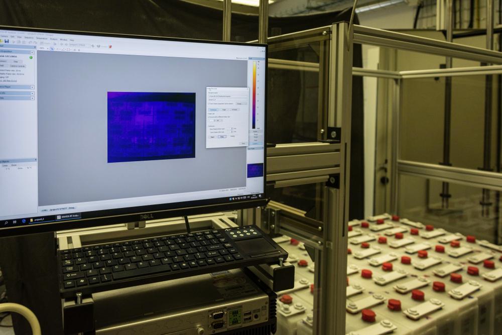 Na monitorovací systém bateriových soustav vyvinutý centrem ENET se podařilo uzavřít licenci