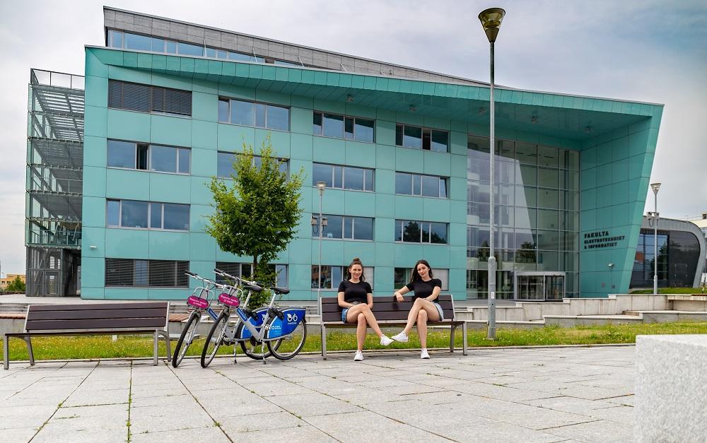 Na univerzitu můžete jezdit ekologicky i ekonomicky