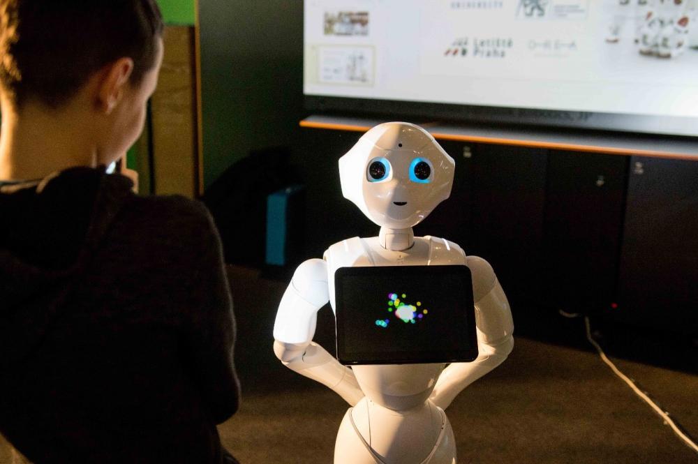 Člověk a robot navštíví každou domácnost, Noc vědců se totiž přesouvá do online podoby