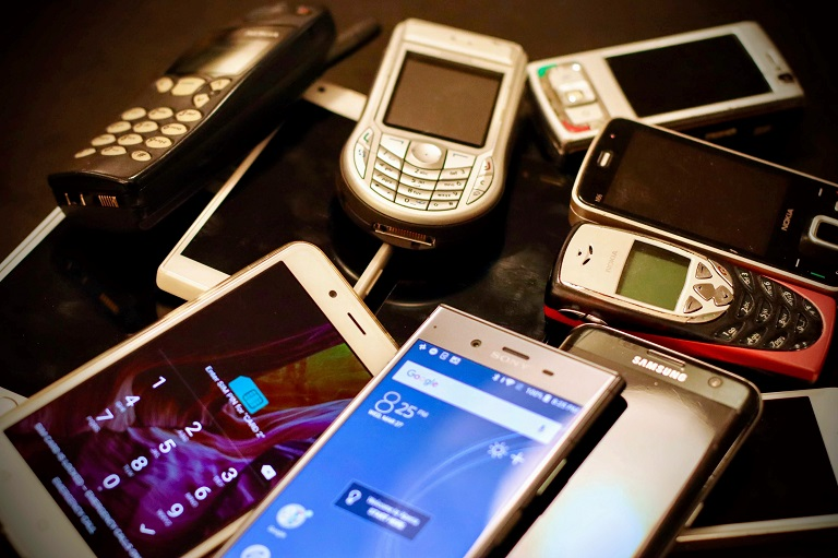 VŠB – Technická univerzita Ostrava vybrala přes 10 kilogramů starých mobilních telefonů