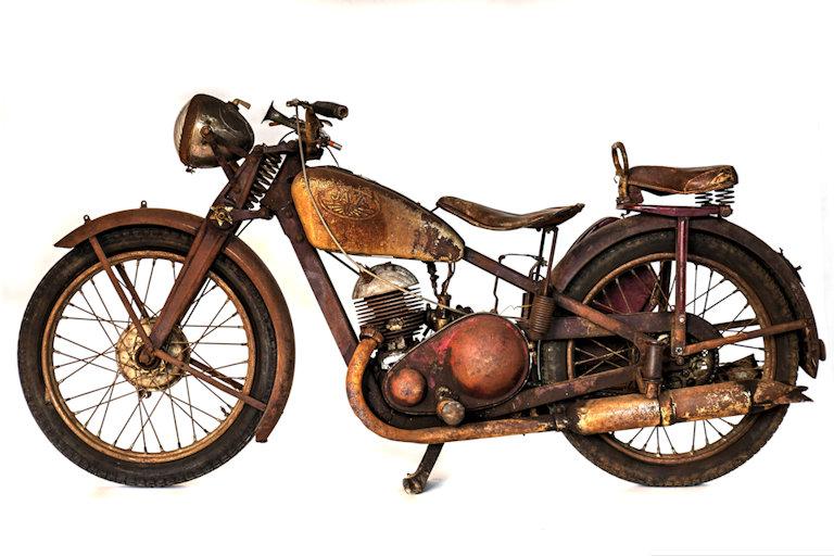 Ze zákulisí motocyklové sbírky Národního technického muzea