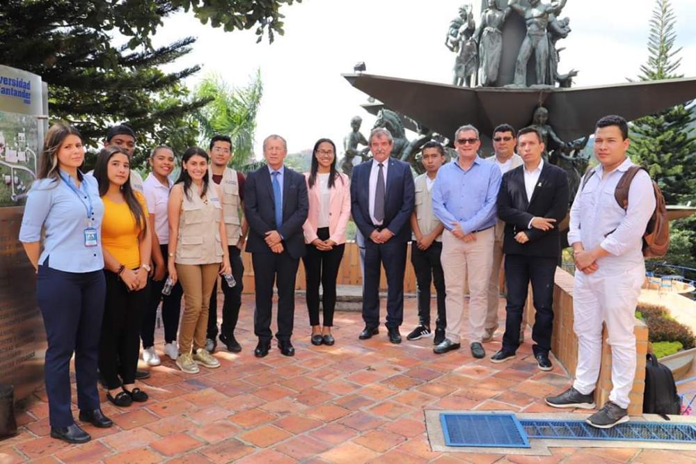 Spolupráce s Kolumbií a Ekvádorem