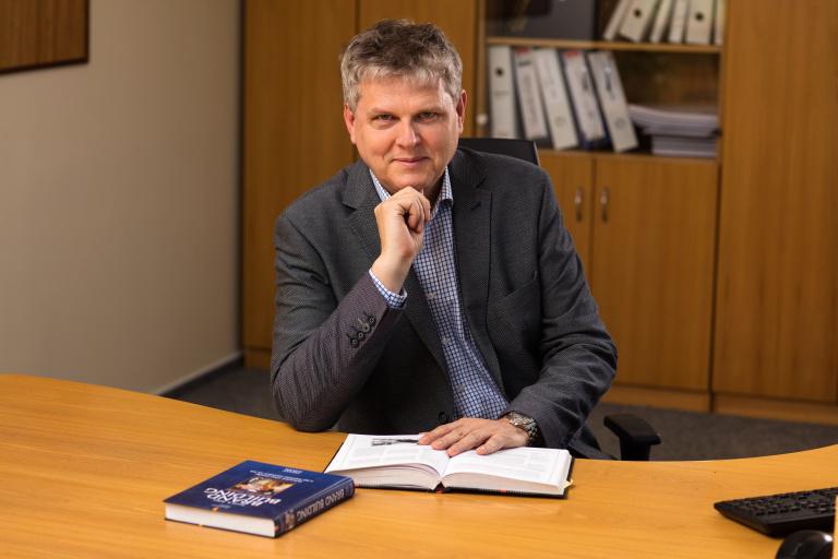 Akademický senát Ekonomické fakulty VŠB-TUO zvolil kandidáta na děkana