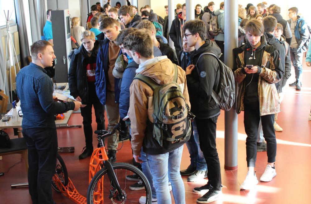 Na 300 žáků navštívilo pracoviště Fakulty strojní v Šumperku