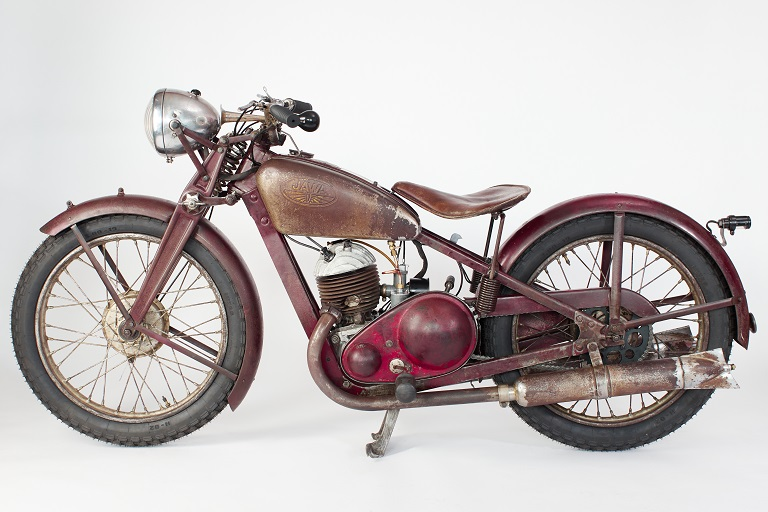 The first historical motorcycle was restored in the Restoration Workshop of the Faculty of Mechanical Engineering at VSB-TUO